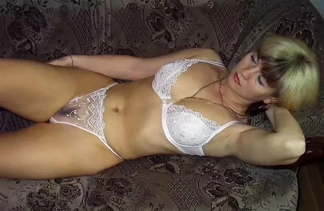 domashnee-russkoe-video-dam-v-vozraste-smotret-porno-tolpoy-vzyali
