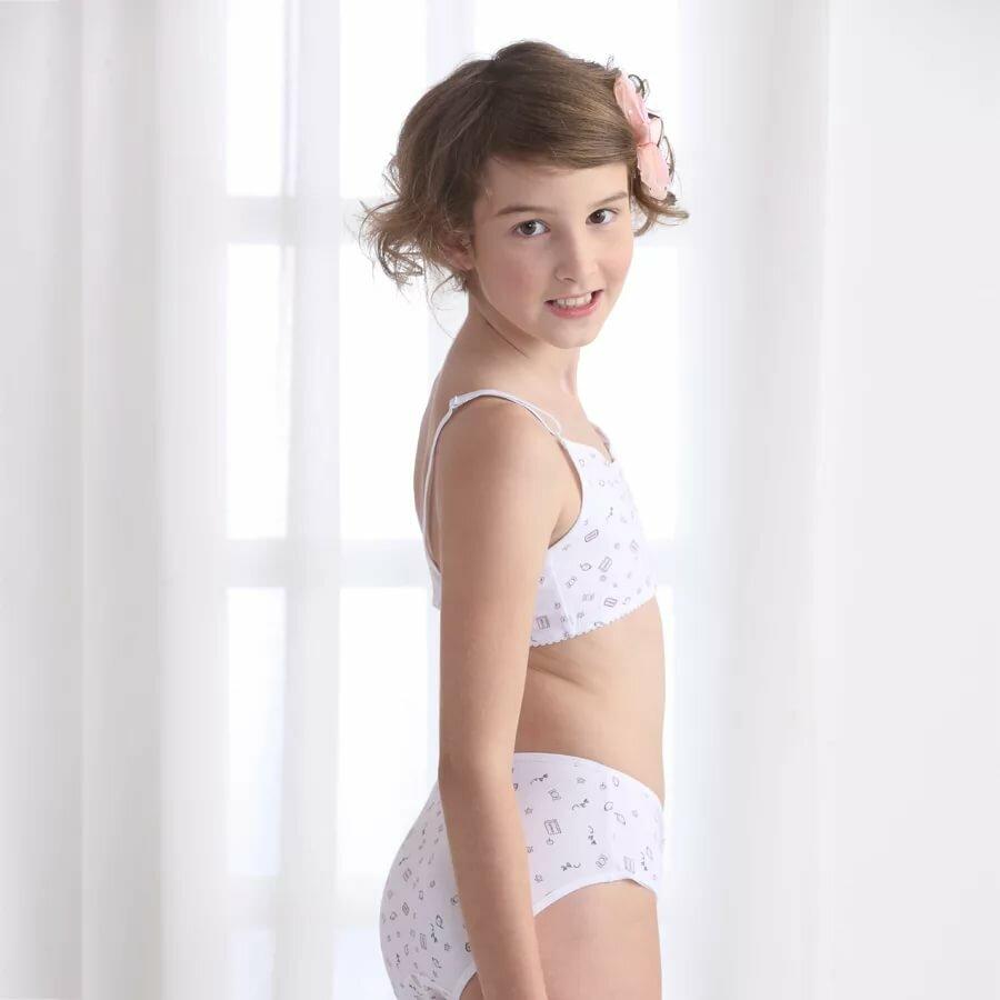 pantie-model