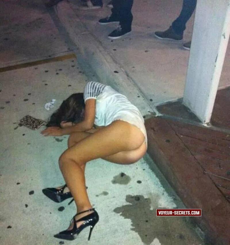 Drunk college girls pissing panties — 4