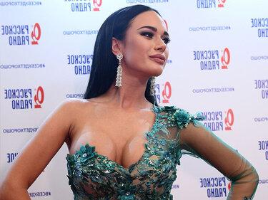 Глубокое Декольте Яны Кошкиной – Одноклассницы (2020)