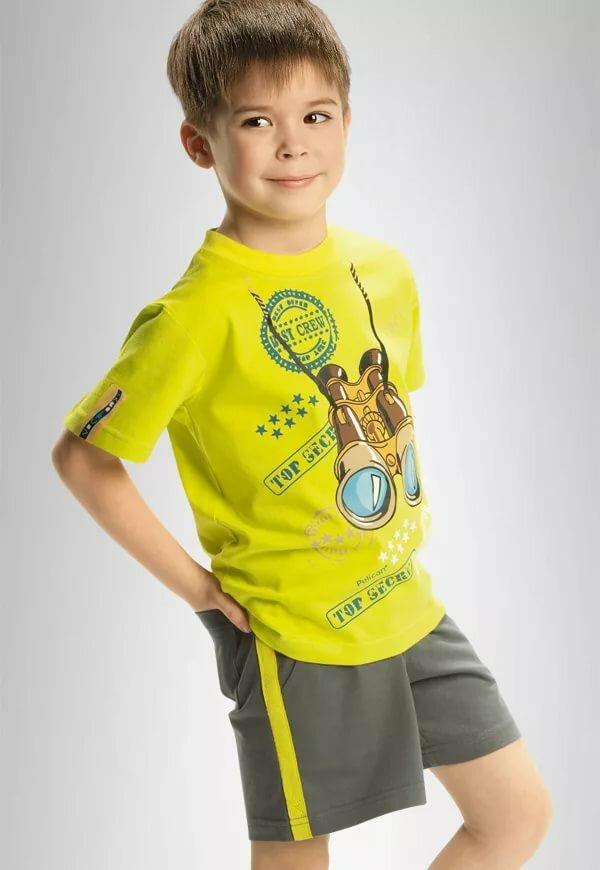 Картинки мальчик в шортах и футболке