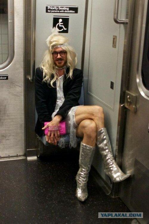 хороший скан чудные люди в метро фото этом