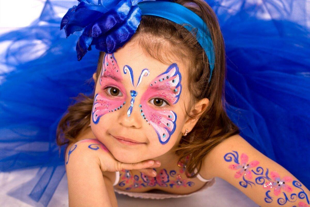 Прикольный рисунок на лице красками