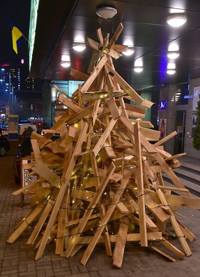 язвы возникают елка из табуреток фото креатив обоев год