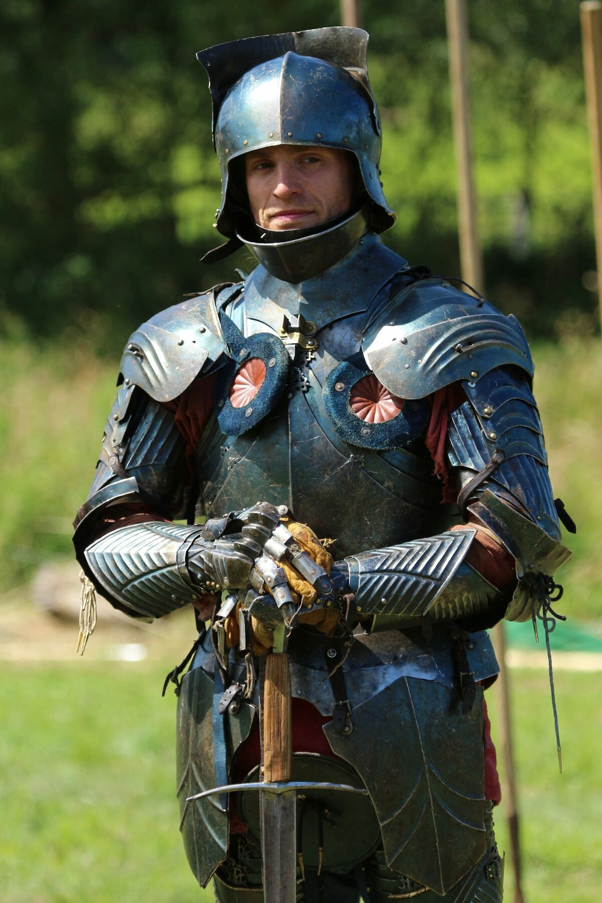 Должностью, доспехи рыцарские картинки