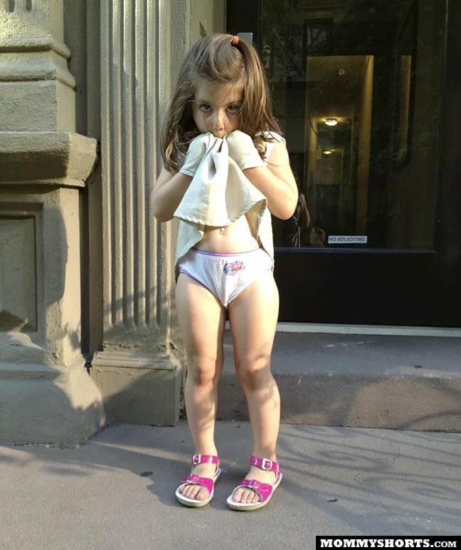 Free videos little girls in pants — pic 3