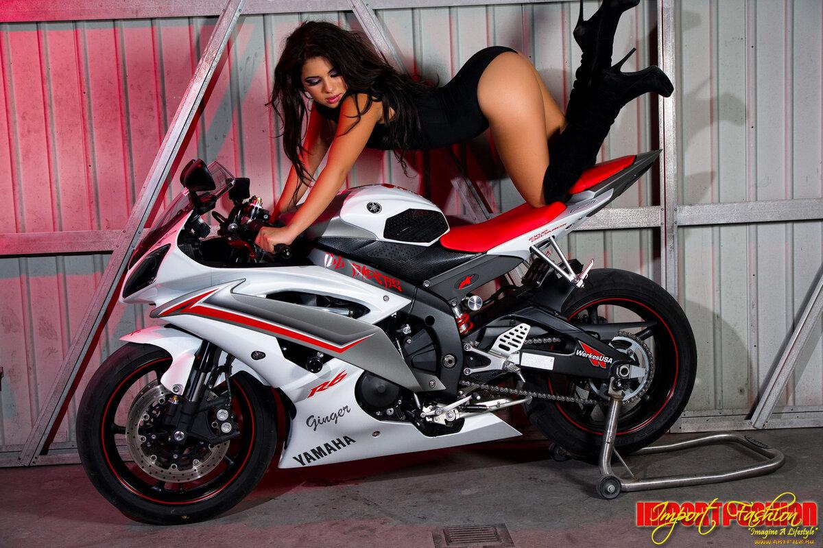 Hot girls and sport bike — img 6