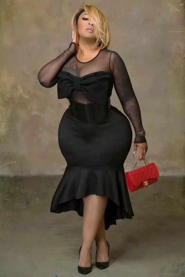 Фото толстушек в коротком платье