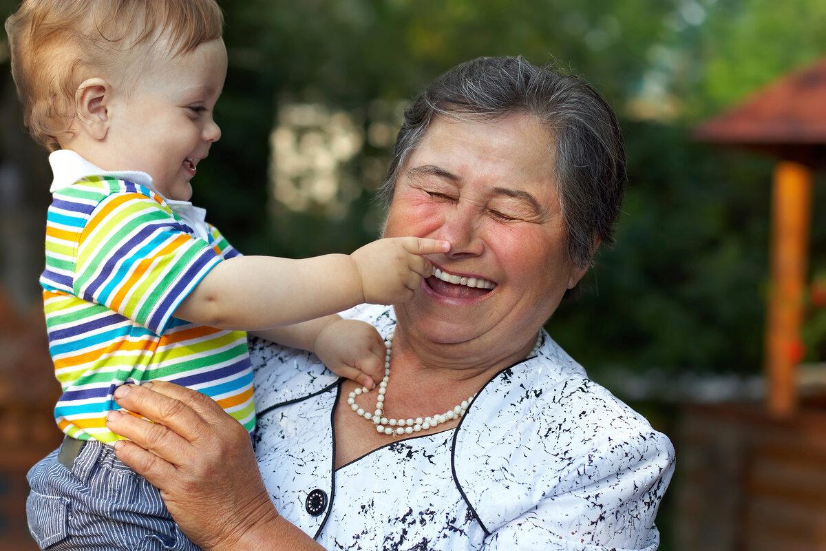 Картинки бабушки с внуками