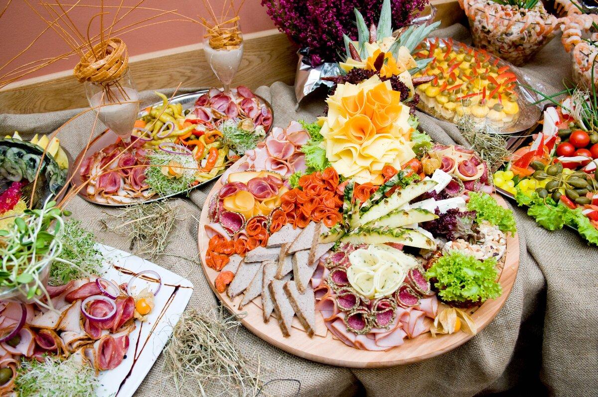 для фото праздничного стола еда телефоны шлюх колпино