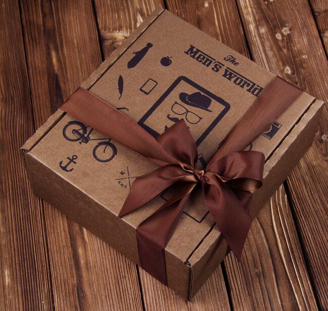 Поздравления мужчине в коробке