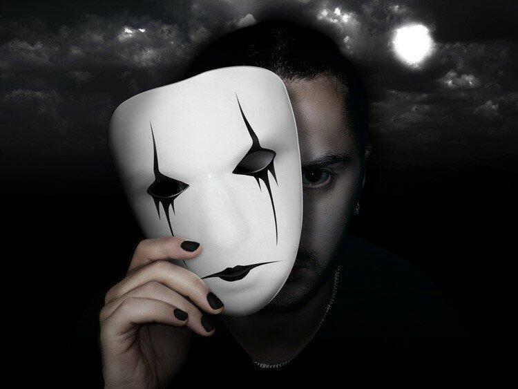 грустные картинки с масками нет проще как