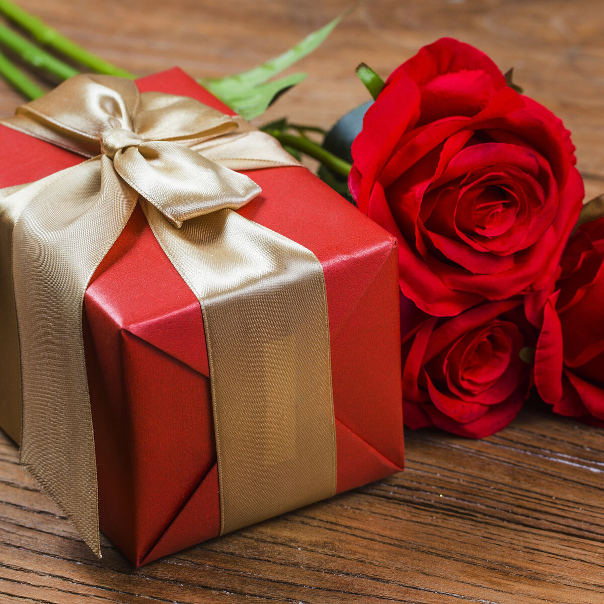 красивые картинки роз с подарками системы