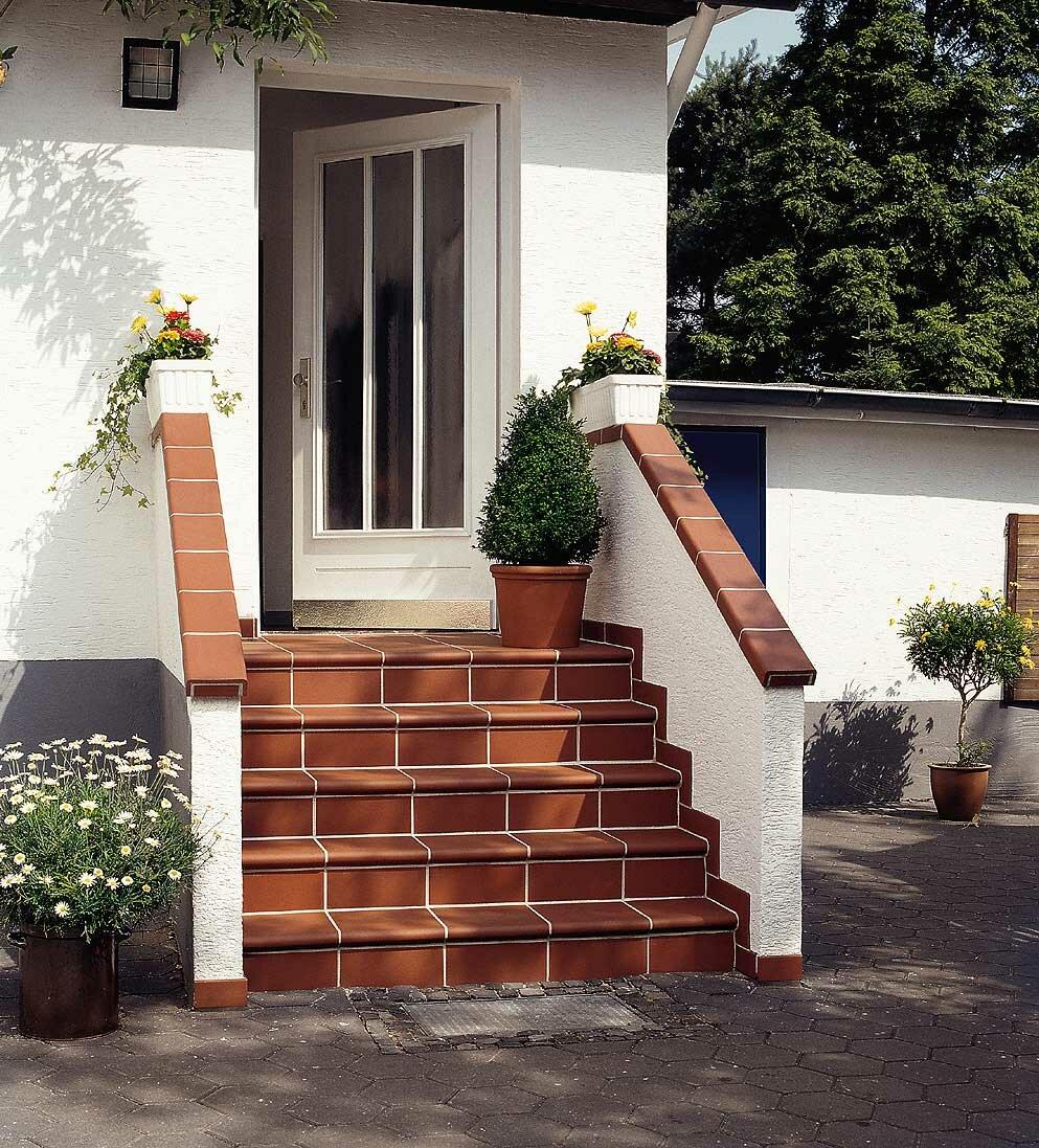 как сделать ступеньки у входной двери