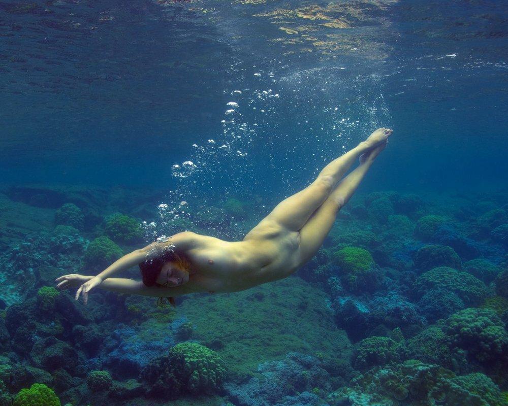 видео эротика под водой наташа