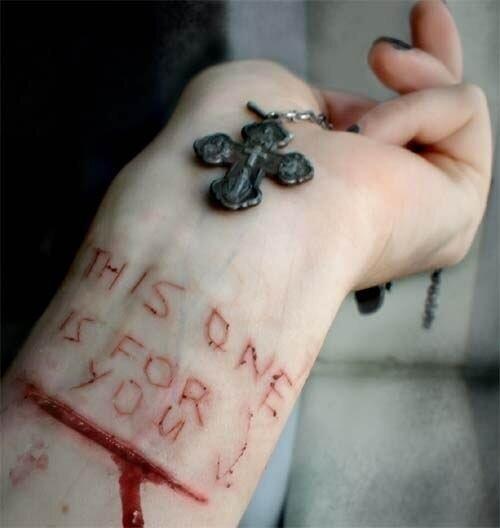 Картинки с кровью на руках и надписями