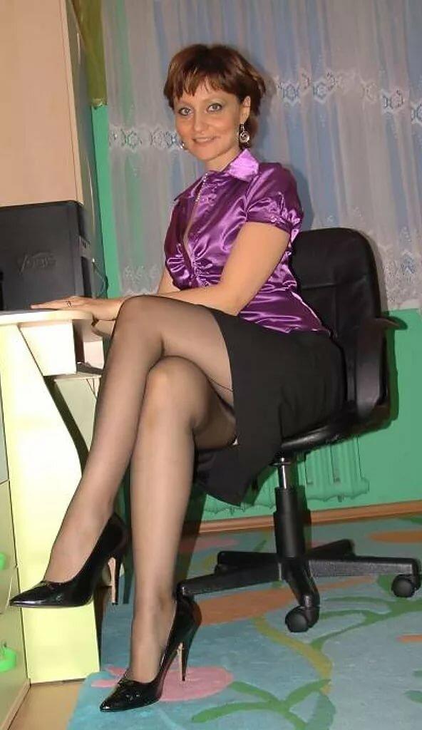 Зрелые женщины в юбке — photo 3