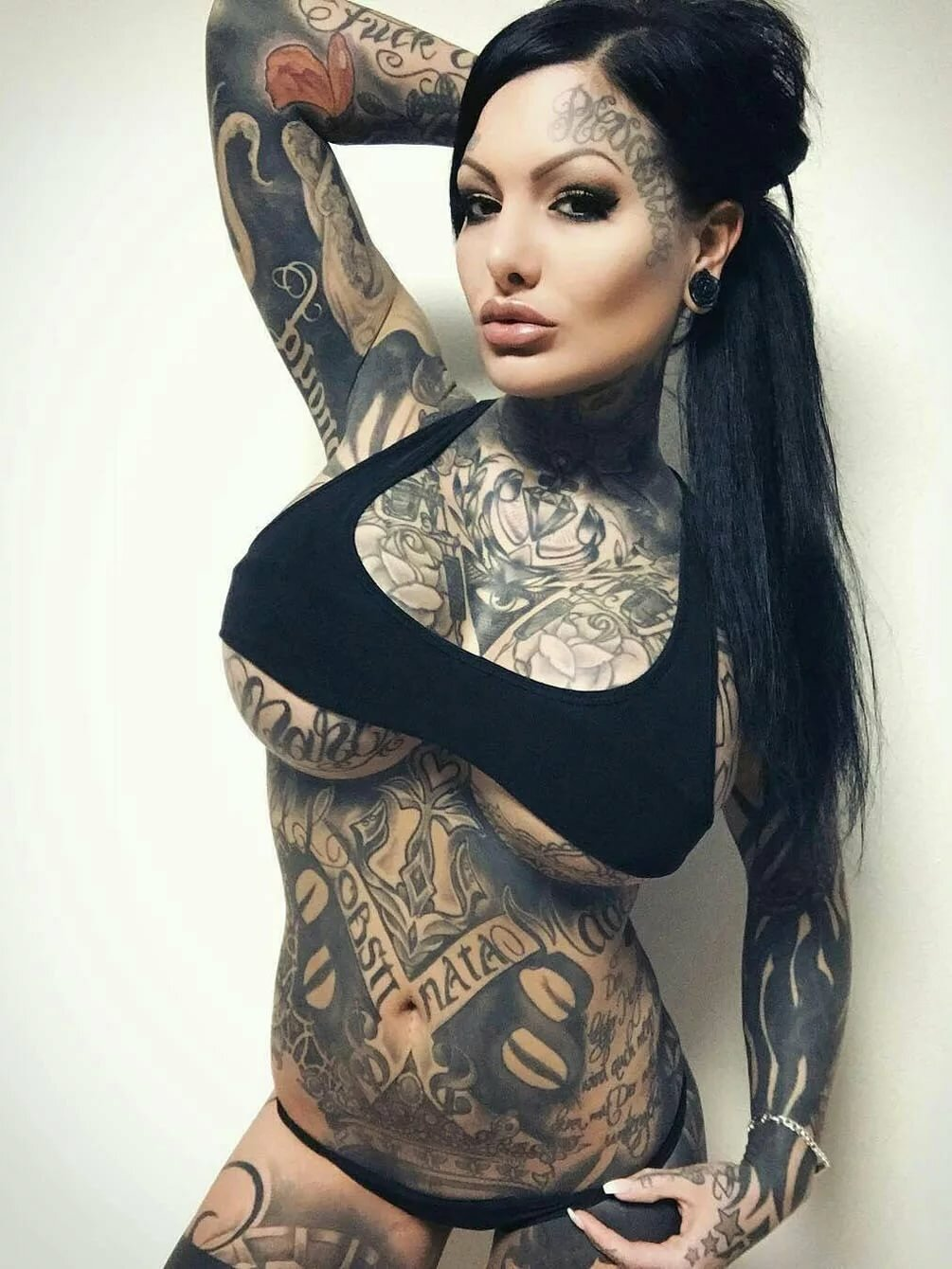 hot-tattoos-on-women