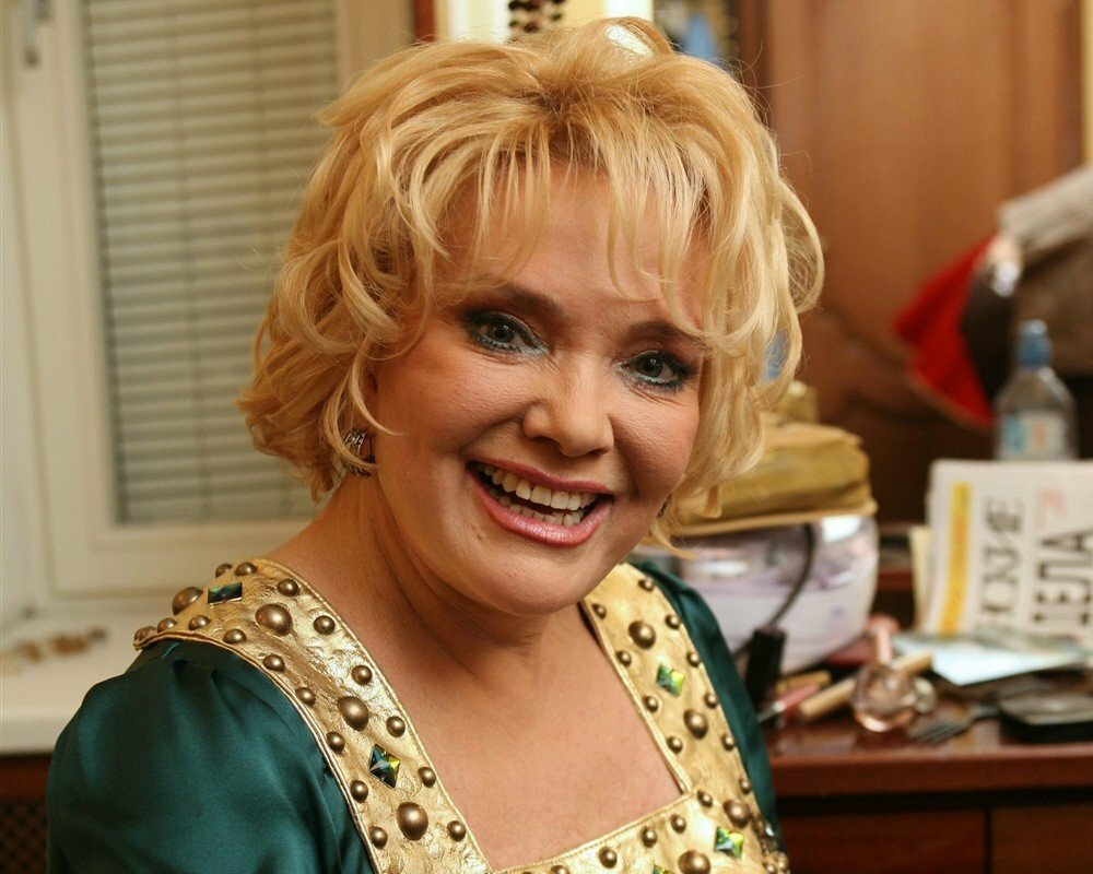 Русские и советские певицы, я у тети дома и люблю ее и ебут