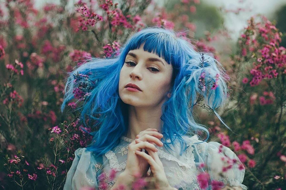 выпускные прикольные картинки юлька с синими волосами настоящее