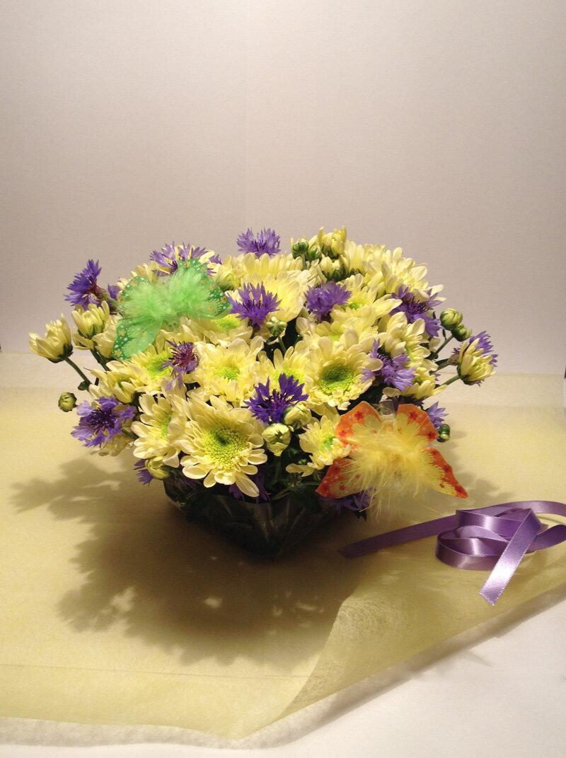 Цветы букет в губке, хризантемы розы альстромерии