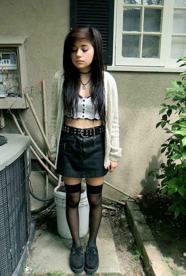 Jailbait mini skirt porn downloads black