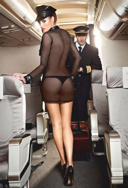 styuardessi-v-trusikah-foto-goryachie-zhenskie-polovie-gubki-foto