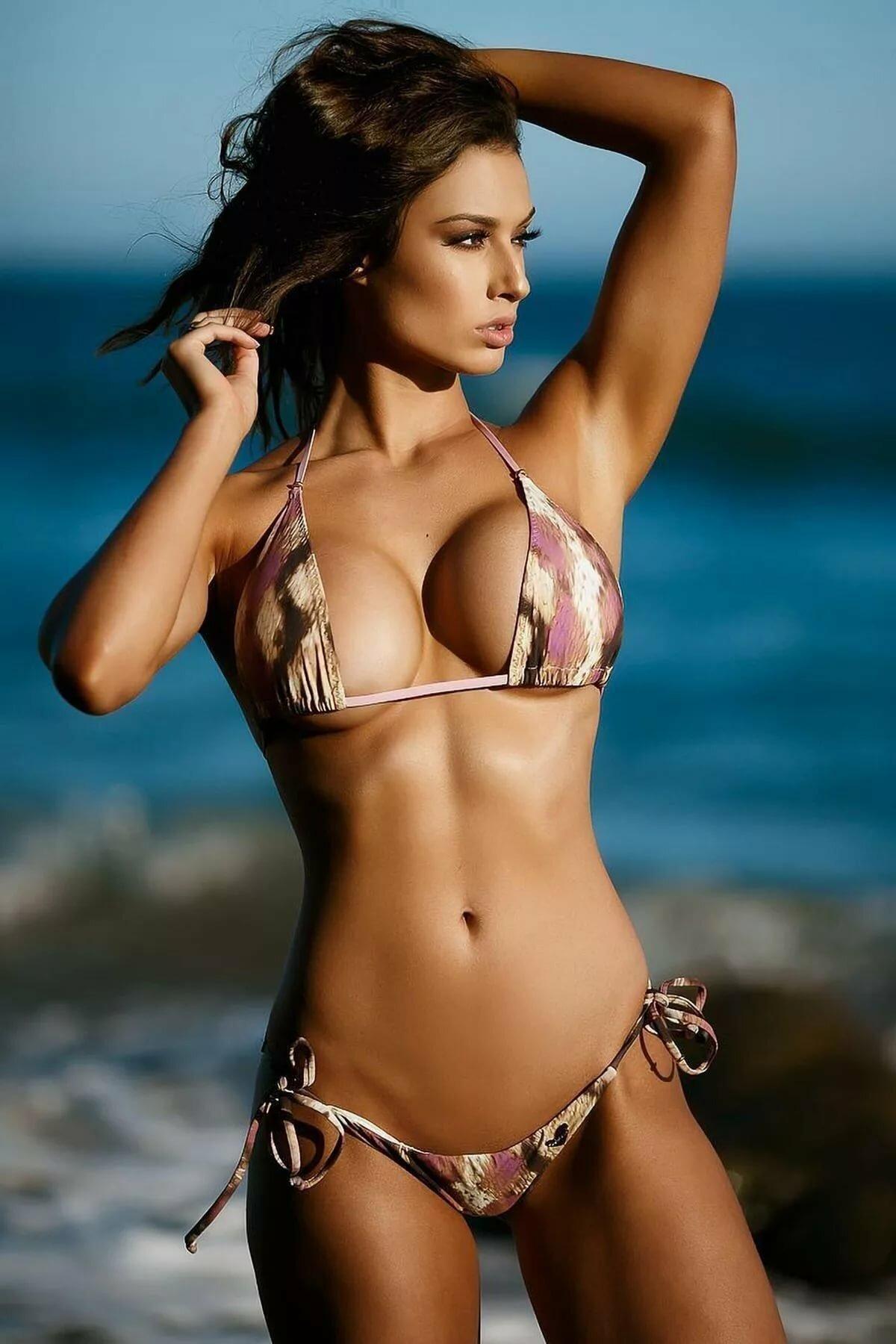 sexy-eyes-bikini-youngest-looking-ebony