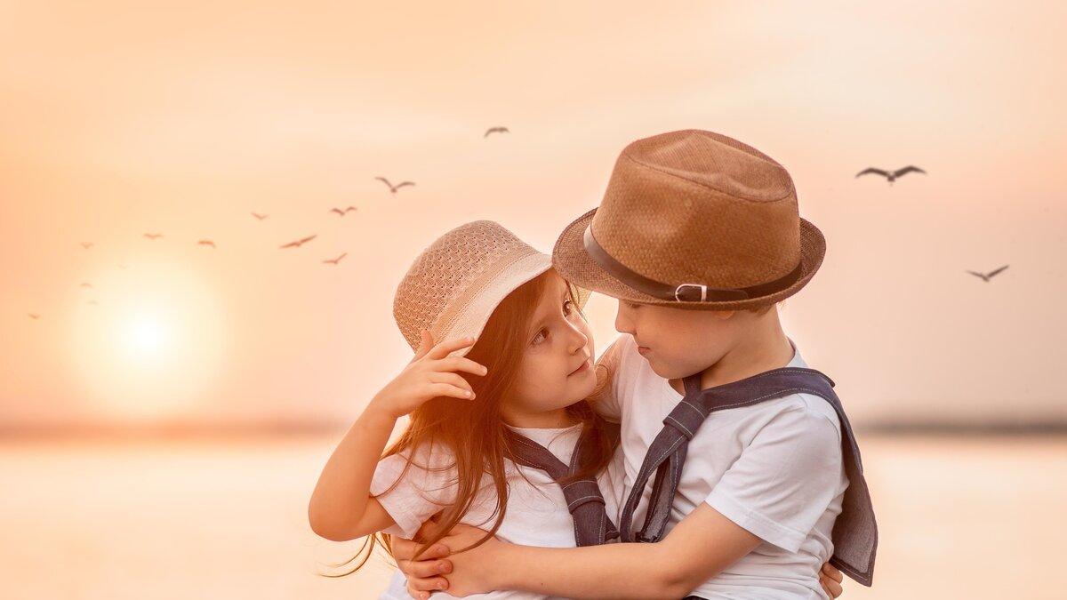 Малыши в картинках о любви