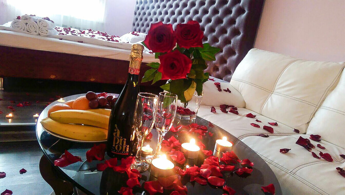 Романтический стол для двоих фото