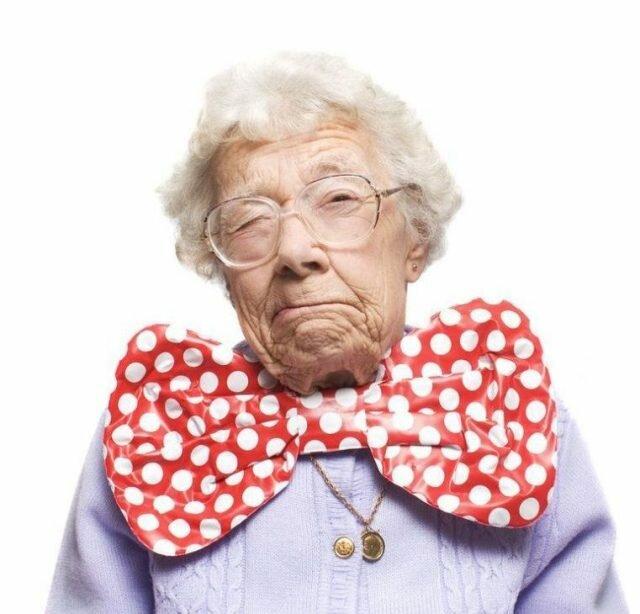 Бабушка картинка смешная, картинка днем