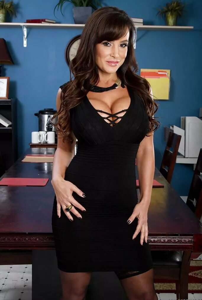 Lisa ann full necked photos — 5