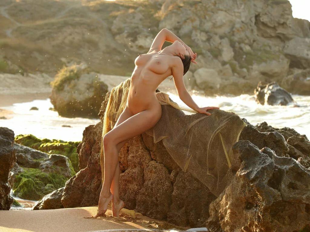 Видео эротика на берегу моря онлайн 13