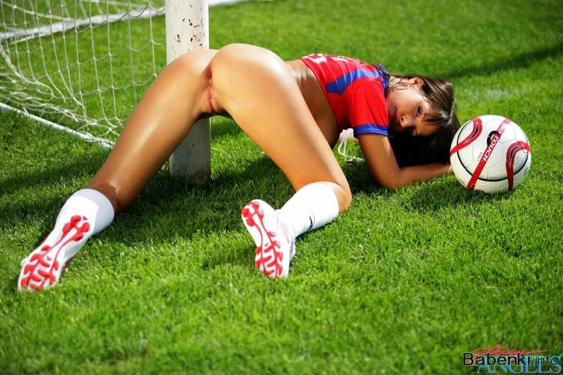 naked-babe-soccer-porn-nude-big-bootys