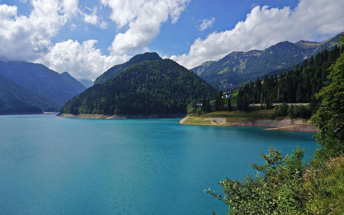 фото картинки озер несколько разновидностей