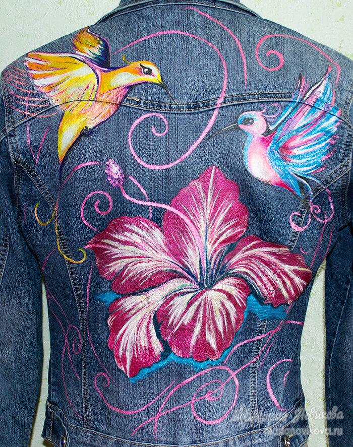 Рисунок акриловыми красками на ткани