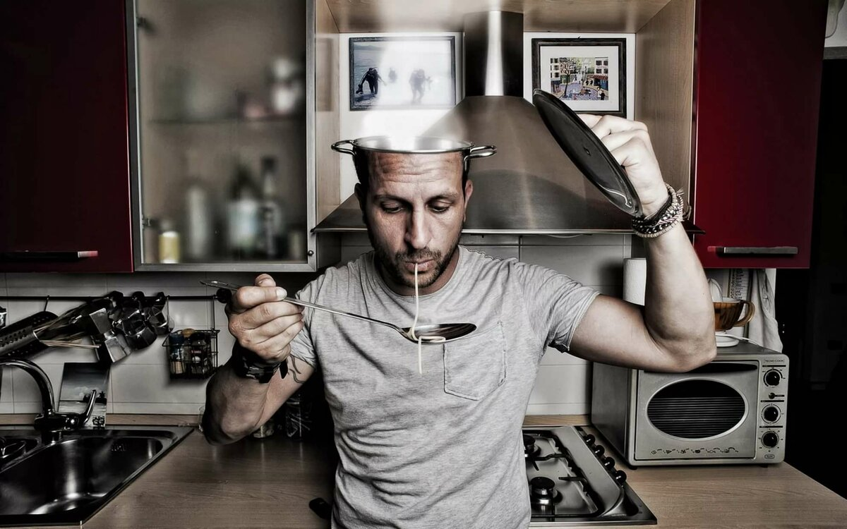 Отправить, картинки мужчина на кухне прикольные