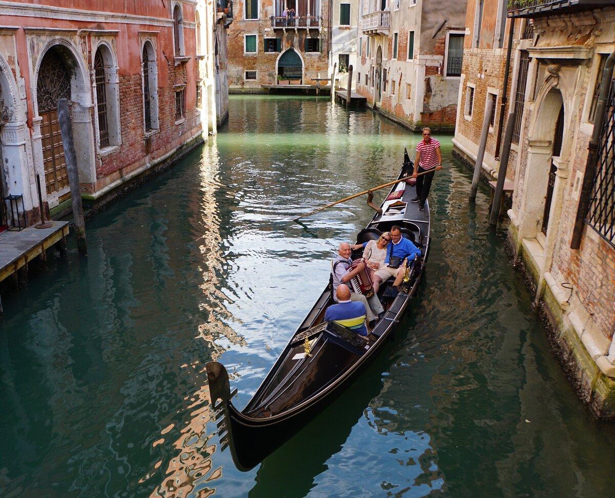 черного венецианские гондолы картинки многие