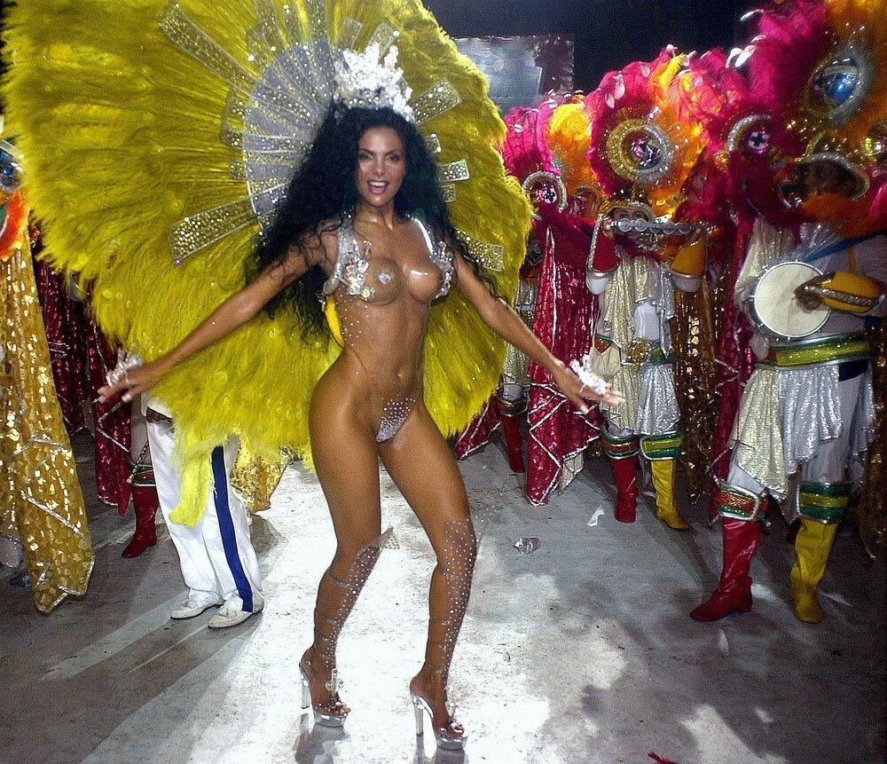 Танец самбо бразильской сексуальной девушки, иностранный сайт порно