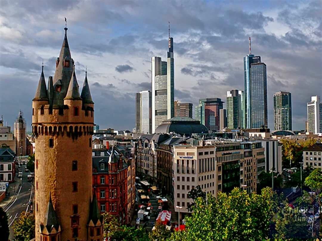 компания производит франкфурт на майне фото туристов позволяют только