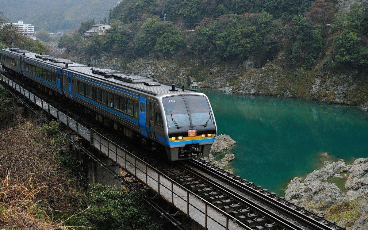смотреть картинки поездов модель очень