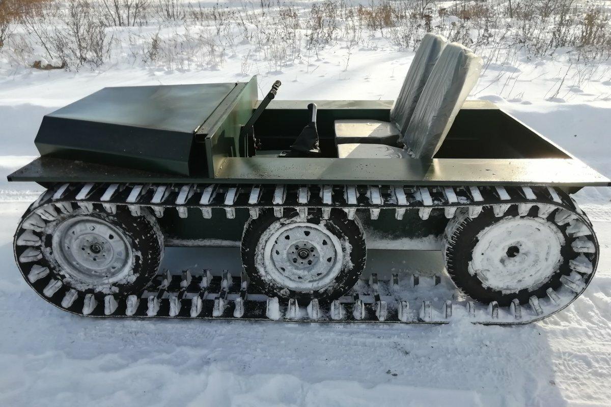 Плавающий снегоболотоход Охотник-1