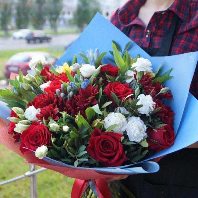 Цветов, авторские букеты в казани цена