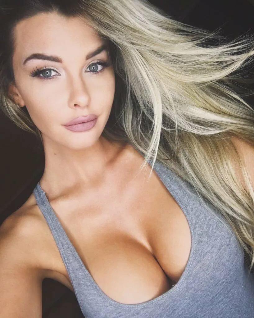сиськи девушки с классной грудью навсегда запомню