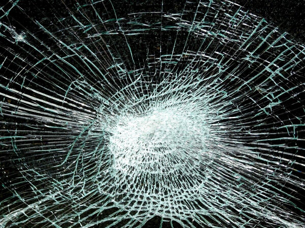 фото разбитого стекла обои рекомендуют использовать чердак