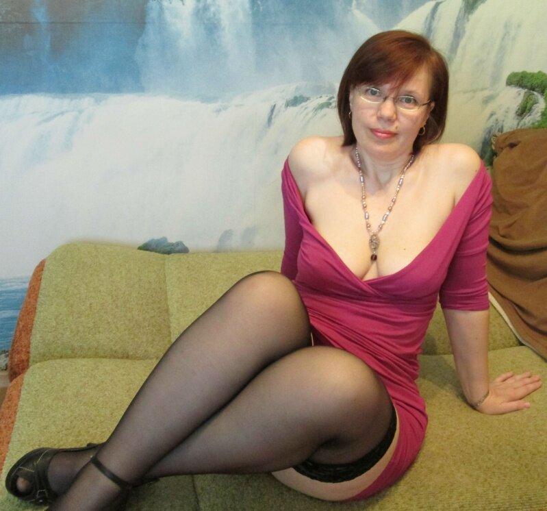 сюжеты любители голых зрелых женщин пирожок молоденькой