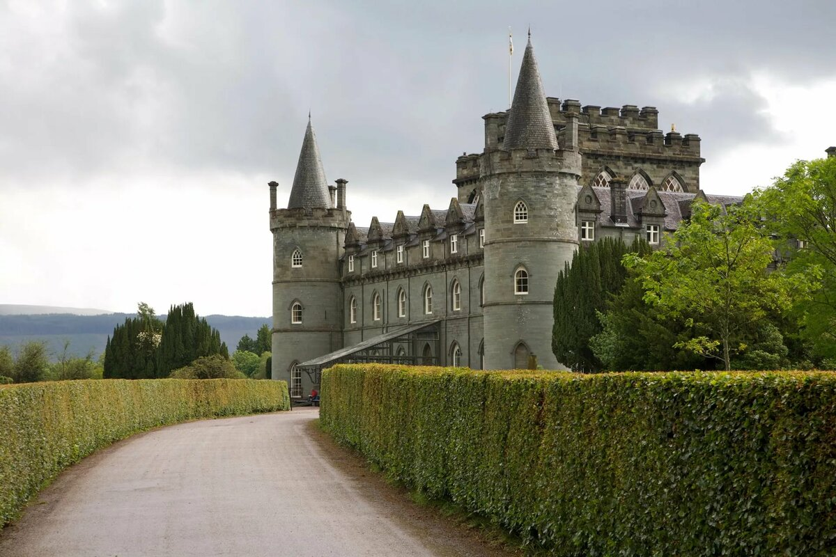 это или фото красивых старинных английских замков руки звездам, люди