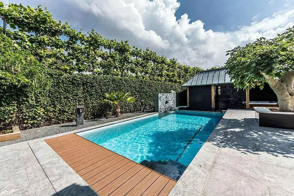 epic private backyard pools - 915×610