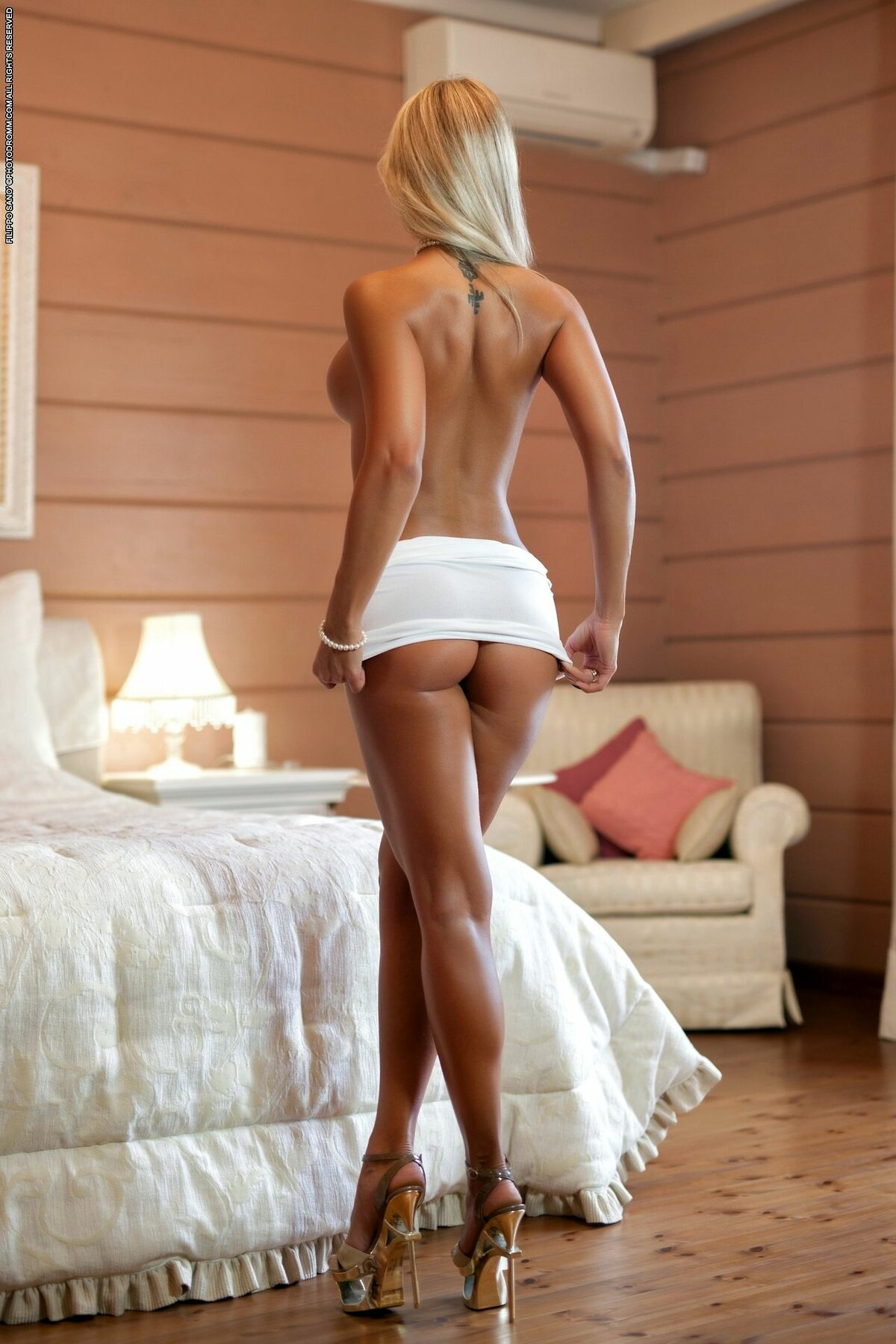 long-legs-and-sexy-ass-babes-clit-needles-bdsmtures