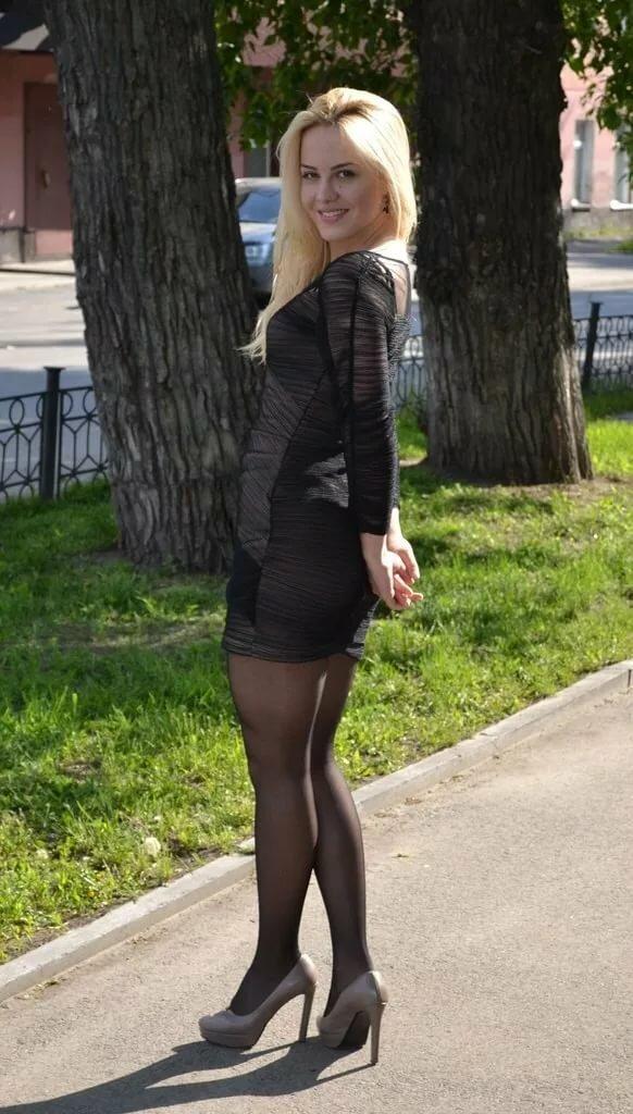 частное фото девушек в юбках